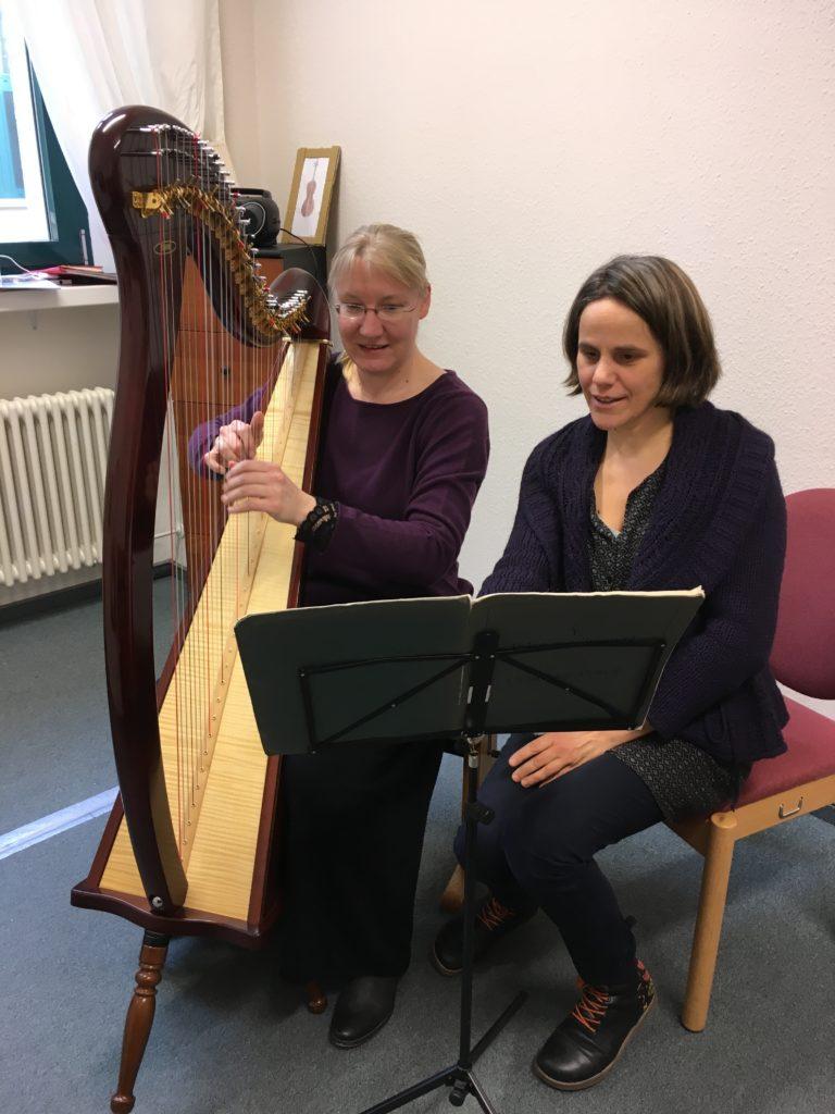 Harfenunterricht gibt es in Dortmund und Wuppertal auch für Erwachsene